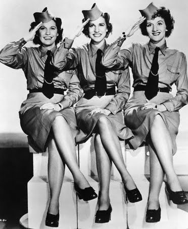 The Andrew Sisters- Boogie Woogie Bugle Boy (1941)