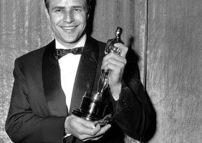Marlon Brando wins an Oscar (1955)