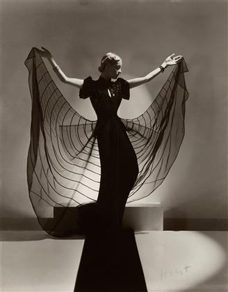 Helen Bennett models a Spider Dress.