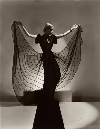 Helen Bennett models a Spider Dress.